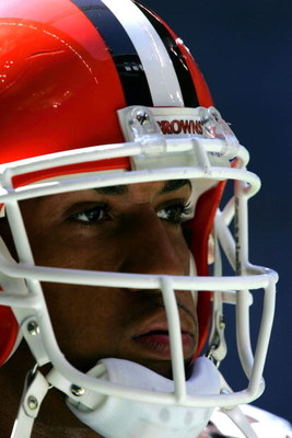 IRVING, TX - SEPTEMBER 19:  Tight end Kellen Winslow Jr. of the Cleveland Browns waits on the sidelines prior to the start against the Dallas Cowboys on September 19, 2004 at Texas Stadium in Irving, Texas.  (Photo by Ronald Martinez/Getty Images)