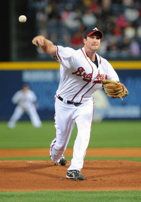 ATLANTA - APRIL 10: Pitcher Derek Lowe #32 of the Atlanta Braves starts against the Washington Nationals April 10, 2009 in Atlanta, Georgia.  (Photo by Al Messerschmidt/Getty Images)