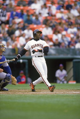 SAN FRANCISCO - MAY 17:  Barry Bonds #25 of the San Francisco Giants hits a home run against the Chicago Cubs in the 7th inning on May 17, 1995 at Candlestick Park in San Francisco, California. Barry Bonds made his 262nd career home run during this game. 