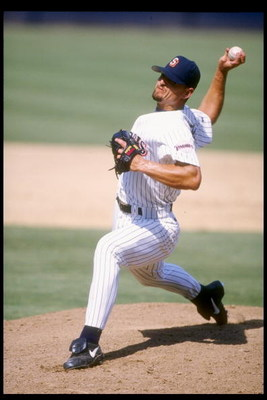 2 Sep 1995:  Pitcher Trevor Hoffman of the San Diego Padres throws a pitch during a game against the Philadelphia Phillies at Jack Murphy Stadium in San Diego, California.  The Padres won the game 5-4. Mandatory Credit: Al Bello  /Allsport