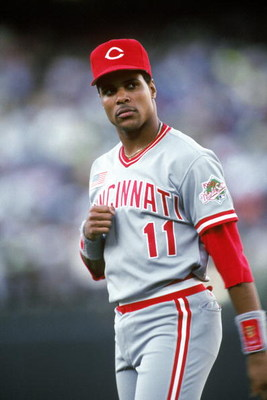 OAKLAND, CA - OCTOBER:  Barry Larkin #11 of the Cincinnati Reds stands on the field against the Oakland Athletics during the 1990 World Series at Oakland-Alameda Coliseum in October 1990 in Oakland, California. (Photo by Otto Greule Jr/Getty Images)