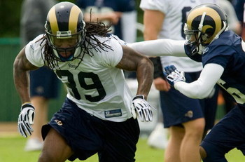 EARTH CITY, MO - MAY 2: Steven Jackson #39 of the St. Louis Rams participates in drills during a mini camp on May 2, 2009 at the Russell Training Center in Earth City, Missouri.  (Dilip Vishwanat/Getty Images)