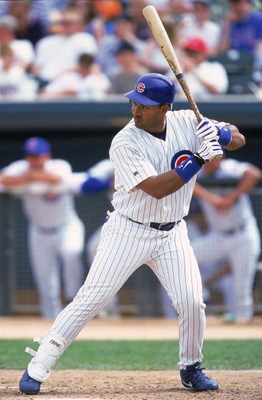 15 Mar 2000:  Henry Rodriguez #40 of the Chicago Cubs at bat during the Spring Training Game against the Milwaukee Brewers at the HoHoKam Stadium in Mesa, Arizona. The Cubs defeated the Brewers 10-4. Mandatory Credit: Donald Miralle  /Allsport