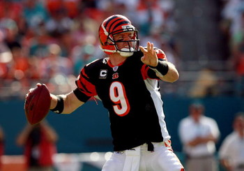 MIAMI - DECEMBER 30:  Quarterback Carson Palmer #9 of the Cincinnati Bengals throws a pass against the Miami Dolphins at Dolphin Stadium on December 30, 2007 in Miami, Florida. The Bengals defeated the Dolphins 38-25.  (Photo by Doug Benc/Getty Images)