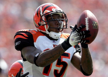 CINCINNATI - SEPTEMBER 17:  Chris Henry #15 of the Cincinnati Bengals catches a pass against the Cleveland Browns on September 17, 2006 at Paul Brown Stadium in Cincinnati, Ohio.  (Photo by Andy Lyons/Getty Images)