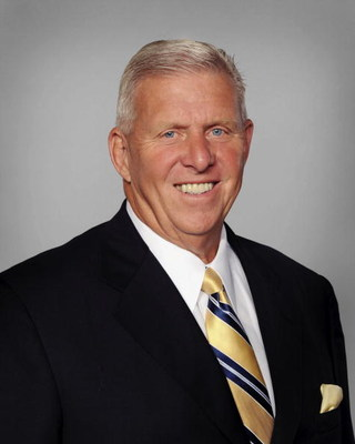 MIAMI - 2008:  Bill Parcells of the Miami Dolphins poses for his 2008 NFL headshot at photo day in Miami, Florida.  (Photo by Getty Images)