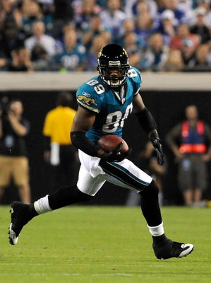 JACKSONVILLE, FL - DECEMBER 18:  Marcedes Lewis #89 of the Jacksonville Jaguars runs for yardage during the game against the Indianapolis Colts at Jacksonville Municipal Stadium on December 18, 2008 in Jacksonville, Florida.  (Photo by Sam Greenwood/Getty