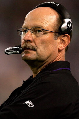 MINNEAPOLIS - OCTOBER 12: Head coach Brad Childress of the Minnesota Vikings on the sidelines against the Detroit Lions at the HHH Metrodome October 12, 2008 in Minneapolis, Minnesota.  (Photo by Matthew Stockman/Getty Images)