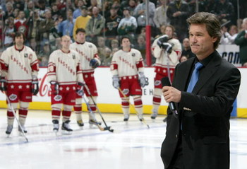 ST. PAUL, MN - FEBRUARY 8:  Actor Kurt Russell honors Herb Brooks before the 54th NHL All-Star Game on February 8, 2004 at the Xcel Energy Center in St. Paul, Minnesota. (Photo by Dave Sandford/Getty Images)