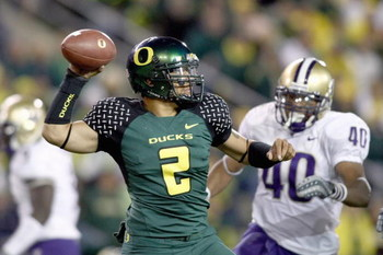 EUGENE, OR - AUGUST 30:  Quarterback Jeremiah Masoli #2 of the Oregon Ducks throws the ball during the game against the Washington Huskies at Autzen Stadium on August 30, 2008 in Eugene, Oregon. (Photo by Jonathan Ferrey/Getty Images)