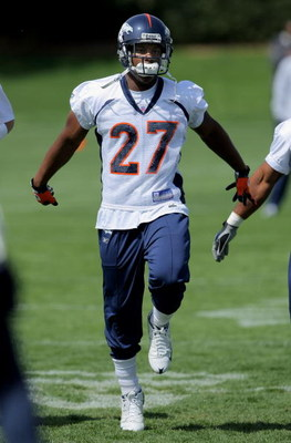 ENGLEWOOD, CO - MAY 03:  First round draft pick running back Knowshon Moreno #27 of Denver Broncos participates in practice at minicamp at the Broncos training facility on May 3, 2009 in Englewood, Colorado.  (Photo by Doug Pensinger/Getty Images)