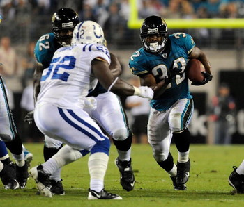 JACKSONVILLE, FL - DECEMBER 18:  Maurice Jones-Drew #32 of the Jacksonville Jaguars runs for yardage during the game against the Indianapolis Colts at Jacksonville Municipal Stadium on December 18, 2008 in Jacksonville, Florida.  (Photo by Sam Greenwood/G