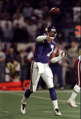 10 Jan 1999: Quarterback Randall Cunningham #7 of the Minnesota Vikings in action during the NFC Play Off Game against the Arizona Cardinals at the H. H. H. Metrodome in Minneapolis, Minnesota. The Vikings defeated the Cardinals 41-21.