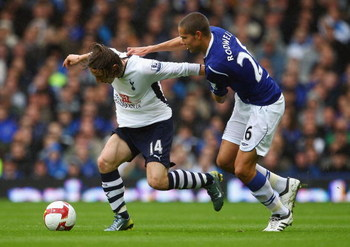 LIVERPOOL, ENGLAND - MAY 09:  Jack Rodwell of Everton battles with Luka Modric of Tottenham during the Barclays Premier League Match between Everton and Tottenham Hotspur at Goodison Park on May 9, 2009 in Liverpool, England.  (Photo by Laurence Griffiths