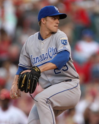 ANAHEIM, CA - MAY 09:  Pitcher Zack Greinke #23 of the Kansas City Royals throws a pitch against the Los Angeles Angels of Anaheim on May 9, 2009 at Angel Stadium in Anaheim, California. The Angels won 1-0.  (Photo by Stephen Dunn/Getty Images)