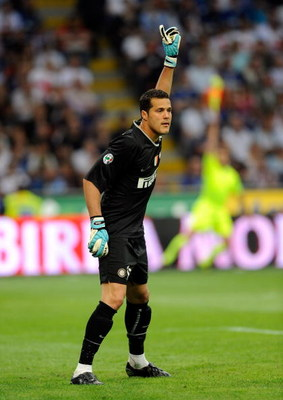 MILAN, ITALY - MAY 17: Julio Cesar of Inter Milan during the Serie A match between Inter Milan Milan and AC Siena, at the Meazza Stadium on May 17, 2009 in Milan, Italy. (Photo by Claudio Villa/Getty Images)