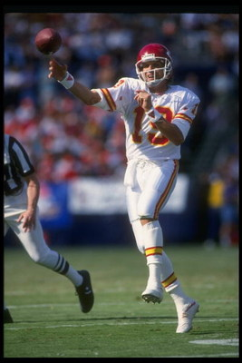 17 Oct 1993: Quarterback Joe Montana of the Kansas City Chiefs passes the ball during a game against the San Diego Chargers at Jack Murphy Stadium in San Diego, California. The Chiefs won the game, 17-14.