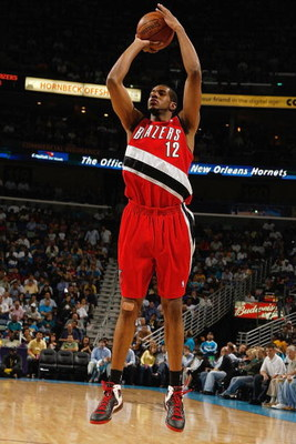 NEW ORLEANS - NOVEMBER 14:  LaMarcus Aldridge #12 of the  Portland Trail Blazers takes a jump shot against the New Orleans Hornets during the game at the New Orleans Arena on November 14, 2008 in New Orleans, Louisiana.  The Hornets defeated the Trail Bla