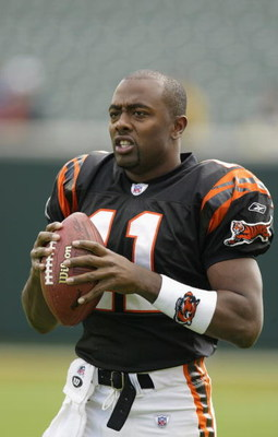 CINCINNATI - OCTOBER 13:  Akili Smith #11 of the Cincinnati Bengals before a game against the Pittsburgh Steelers at Paul Brown Stadium on October 13, 2002 in Cincinnati, Ohio.  The Steelers beat the Bengals 34-7. (Photo by Tom Pidgeon/Getty Images)