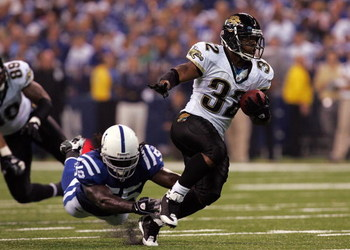 INDIANAPOLIS - SEPTEMBER 21:  Running back Maurice Jones-Drew #32 of the Jacksonville Jaguars during play against the Indianapolis Colts on September 21, 2008 at Lucas Oil Stadium in Indianapolis, Indiana.  (Photo by Ronald Martinez/Getty Images)
