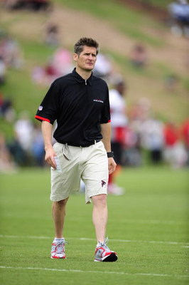 FLOWERY BRANCH, GA - MAY 9: General Manager Thomas Dimitroff of the Atlanta Falcons looks on during minicamp at the Falcons Complex on May 9, 2009 in Flowery Branch, Georgia.  (Photo by Paul Abell/Getty Images)