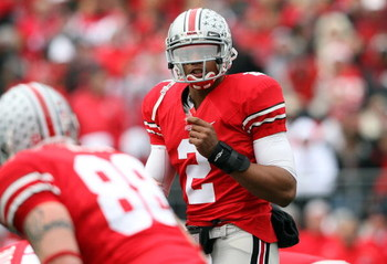 COLUMBUS, OH - NOVEMBER 22:  Terrelle Pryor #2 of the Ohio State Buckeyes gives instructions to his team during the Big Ten Conference game against the Michigan Wolverines at Ohio Stadium on November 22, 2008 in Columbus, Ohio. Ohio State won 42-7.  (Phot