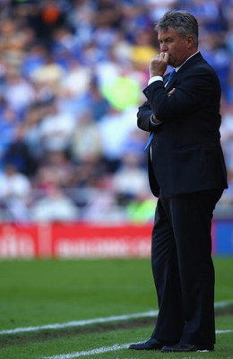 SUNDERLAND, ENGLAND - MAY 24:  Chelsea Caretaker Manager Guus Hiddink looks on during the Barclays Premier League match between Sunderland and Chelsea at The Stadium of Light on May 24, 2009 in Sunderland, England.  (Photo by Matthew Lewis/Getty Images)