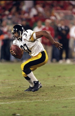 25 Oct 1998:  Cornerback Carnell Lake #37 of the Pittsburgh Steelers in action during the game against the Kansas City Chiefs at the Arrowhead Stadium in Kansas City, Missouri. The Steelers defeated the Chiefs 20-13. Mandatory Credit: Stephen Dunn  /Allsp
