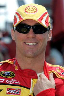 TALLADEGA, AL - APRIL 26:  Kevin Harvick, driver of the #29 Shell / Pennzoil Chevrolet during the NASCAR Sprint Cup Series Aaron's 499 at Talladega Superspeedway on April 26, 2009 in Talladega, Alabama.  (Photo by Jerry Markland/Getty Images for NASCAR)