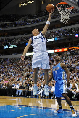 DALLAS - MAY 11:  Guard Jason Kidd #2 of the Dallas Mavericks takes a shot against Chauncey Billups #7 of the Denver Nuggets in Game Four of the Western Conference Semifinals during the 2009 NBA Playoffs at American Airlines Center on May 11, 2009 in Dall