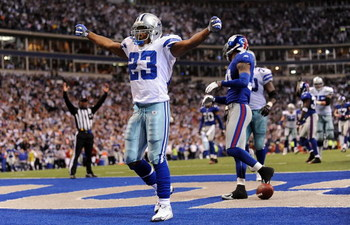 IRVING, TX - DECEMBER 14:  Running back Tashard Choice #23 of the Dallas Cowboys celebrates his touchdown against the New York Giants in the fourth quarter at Texas Stadium on December 14, 2008 in Irving, Texas.  (Photo by Ronald Martinez/Getty Images)