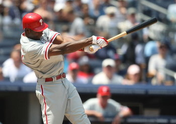 NEW YORK - MAY 24:  John Mayberry, Jr. #40 of the Philadelphia Phillies at bat against the New York Yankees on May 24, 2009 at Yankee Stadium in the Bronx borough of New York City.  (Photo by Nick Laham/Getty Images)