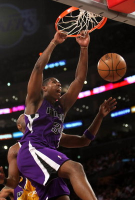 LOS ANGELES, CA - DECEMBER 12:  Jason Thompson #34 of the Sacramento Kings dunks against the Los Angeles Lakers on December 12, 2008 at Staples Center in Los Angeles, California.  The Lakers won 112-103.   NOTE TO USER: User expressly acknowledges and agr