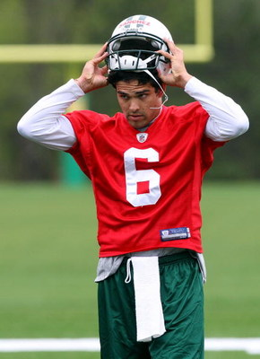 FLORHAM PARK, NJ - MAY 02:  Quarterback Mark Sanchez #6 of the New York Jets looks on during minicamp on May 2, 2009 at the Atlantic Health Jets Training Center in Florham Park, New Jersey.  (Photo by Jim McIsaac/Getty Images)