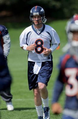 ENGLEWOOD, CO - MAY 03:  Quarterback Kyle Orton #8 particiaptes in practice during Denver Broncos Minicamp at the Broncos training facility on May 3, 2009 in Englewood, Colorado.  (Photo by Doug Pensinger/Getty Images)