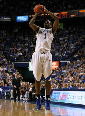 LEXINGTON, KY - NOVEMBER 24: Darius Miller #1 of the Kentucky Wildcats shoots the ball during the game against the Longwood Lancers on November 24, 2008 at Rupp Arena in Lexington, Kentucky.  (Photo by Andy Lyons/Getty Images)