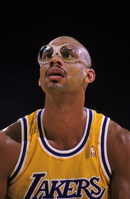 1988-1989:  A close up of Kareem Abdul-Jabbar of the Los Angeles Lakers just before shooting a free trow during a game in the 1988-1989 season.     Mandatory Credit: Tim DeFrisco  /Allsport