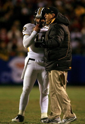 KANSAS CITY, MO - DECEMBER 06:  Head coach Gary Pinkel of the Missouri Tigers talks with quarterback Chase Daniel #10 during the first half of the game against the Oklahoma Sooners on December 6, 2008 at Arrowhead Stadium in Kansas City, Missouri.  (Photo