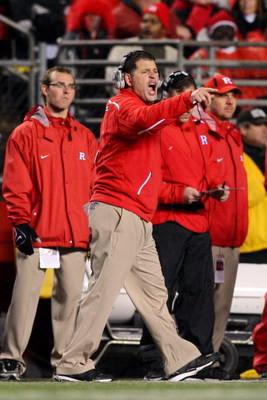 PISCATAWAY, NJ - DECEMBER 04:  Greg Schiano head coach of the Rutgers Scarlet Knights shouts from the sidelines against the Louisville Cardinals at Rutgers Stadium on December 4, 2008 in Piscataway, New Jersey.  (Photo by Jim McIsaac/Getty Images)