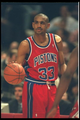 17 Feb 1995:  Forward Grant Hill of the Detroit Pistons finds an open lane and drives inside against the Chicago Bulls at the United Center in Chicago, Illinois.   Mandatory Credit:  Jonathan Daniel/Allsport