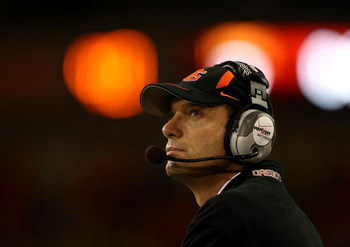 CORVALLIS, OR - NOVEMBER 29:   Head Coach Mike Riley of the Oregon State Beavers looks at the score board against the Oregon Ducks at Reser Stadium on November 29, 2008 in Corvalis, Oregon.  (Photo by Jonathan Ferrey/Getty Images)