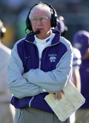 COLUMBIA, MO - NOVEMBER 6:  Head coach Bill Snyder of the Kansas State Wildcats watches from the sideline in the fourth quarter against the Missouri Tigers on November 6, 2004 at Faurot Field in Columbia, Missouri. Kansas State defeated Missouri 35-24.  (