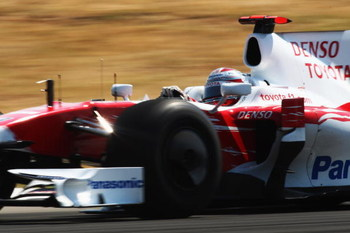 ISTANBUL, TURKEY - JUNE 07:  Jarno Trulli of Italy and Toyota drives during the Turkish Formula One Grand Prix at Istanbul Park on June 7, 2009, in Istanbul, Turkey.  (Photo by Clive Mason/Getty Images)