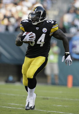 PHILADELPHIA - SEPTEMBER 21: Rashard Mendenhall #34 of the Pittsburgh Steelers returns a kick against the Philadelphia Eagles during the first half on September 21, 2008 at Lincoln Financial Field in Philadelphia, Pennsylvania. (Photo by Chris Gardner/Get