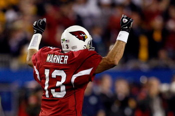 TAMPA, FL - FEBRUARY 01:  Kurt Warner #13 of the Arizona Cardinals celebrates after he threw a 64-yard touchdown to Larry Fitzgerald #11 in the fourth quarter against the Pittsburgh Steelers during Super Bowl XLIII on February 1, 2009 at Raymond James Sta