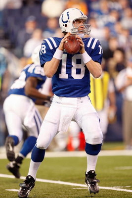 INDIANAPOLIS - DECEMBER 28:  Peyton Manning #18 of the Indianapolis Colts looks to pass the ball during the game against the Tennessee Titans on December 28, 2008 at Lucas Oil Stadium in Indianapolis, Indiana. (Photo by: Jamie Squire/Getty Images)