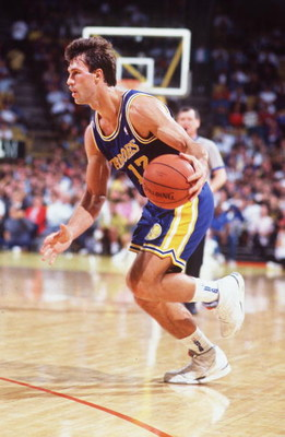 1991:  SARUNAS MARCIULIONIS OF THE GOLDEN STATE WARRIORS IN ACTION DURING THE 1991-1992 SEASON. Mandatory Credit: Ken Levine/ALLSPORT