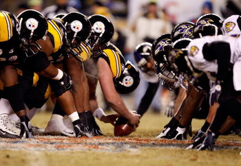 PITTSBURGH - JANUARY 18:  The Pittsburgh Steelers line up for a successful 42-yard field goal attempt by kicker Jeff Reed in the first quarter against the Baltimore Ravens during the AFC Championship game on January 18, 2009 at Heinz Field in Pittsburgh,