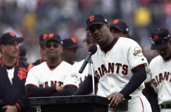 SAN FRANCISCO - OCTOBER 7:  Eric Davis #22 of the San Francisco Giants bids farewell to fans after 18 major league seasons during his retirement ceremony before the game against the Los Angeles Dodgers on October 7, 2001 at Pacific Bell Park in San Franci