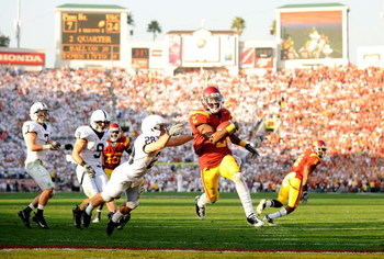 PASADENA, CA - JANUARY 01:  C.J. Gable #2 of the USC Trojans runs in for the touchdown past Drew Astorino #28 of the Penn State Nittany Lions during the 95th Rose Bowl Game presented by Citi on January 1, 2009 at the Rose Bowl in Pasadena, California.  (P